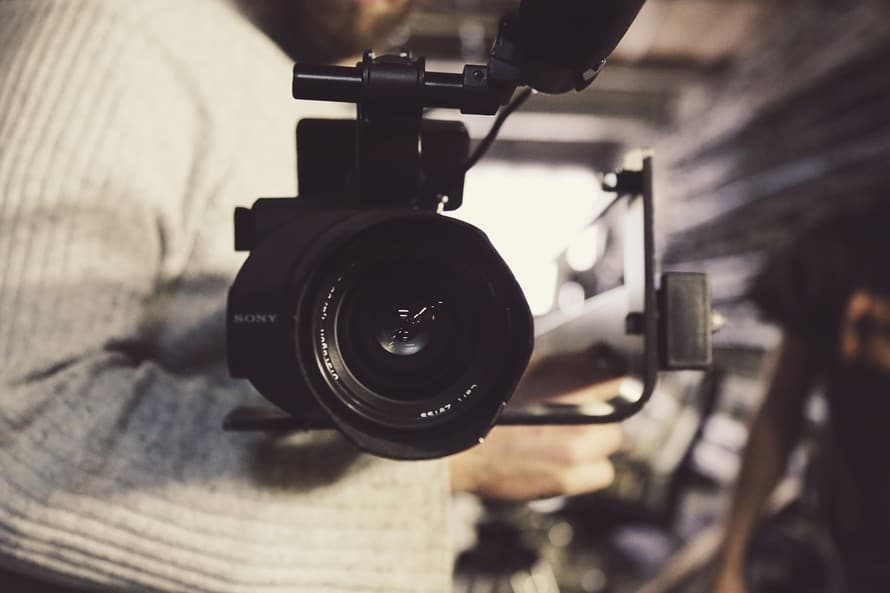 How authors can engage with readers using video