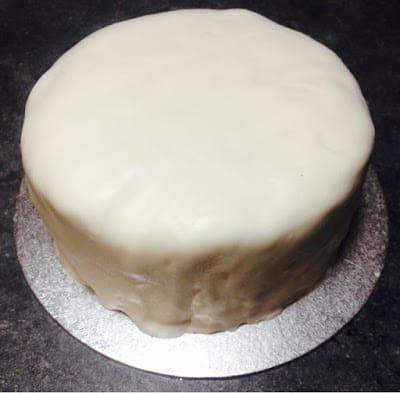 icing-covered-christmas-cake
