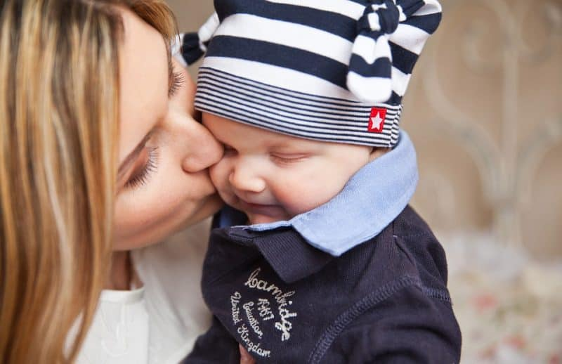 baby-with-mum new parents self-care