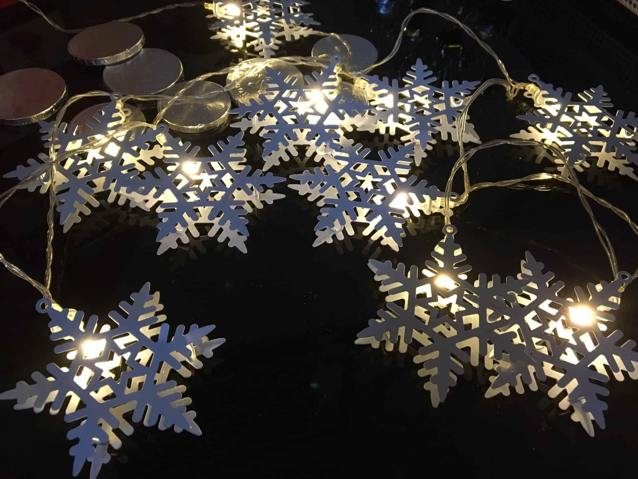 LED snowflake lights
