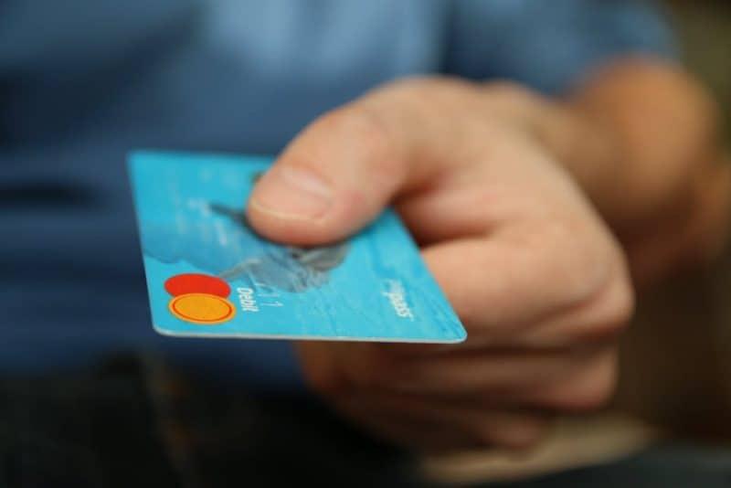 Tips on how to slash yoiur monthly bills, saving you money