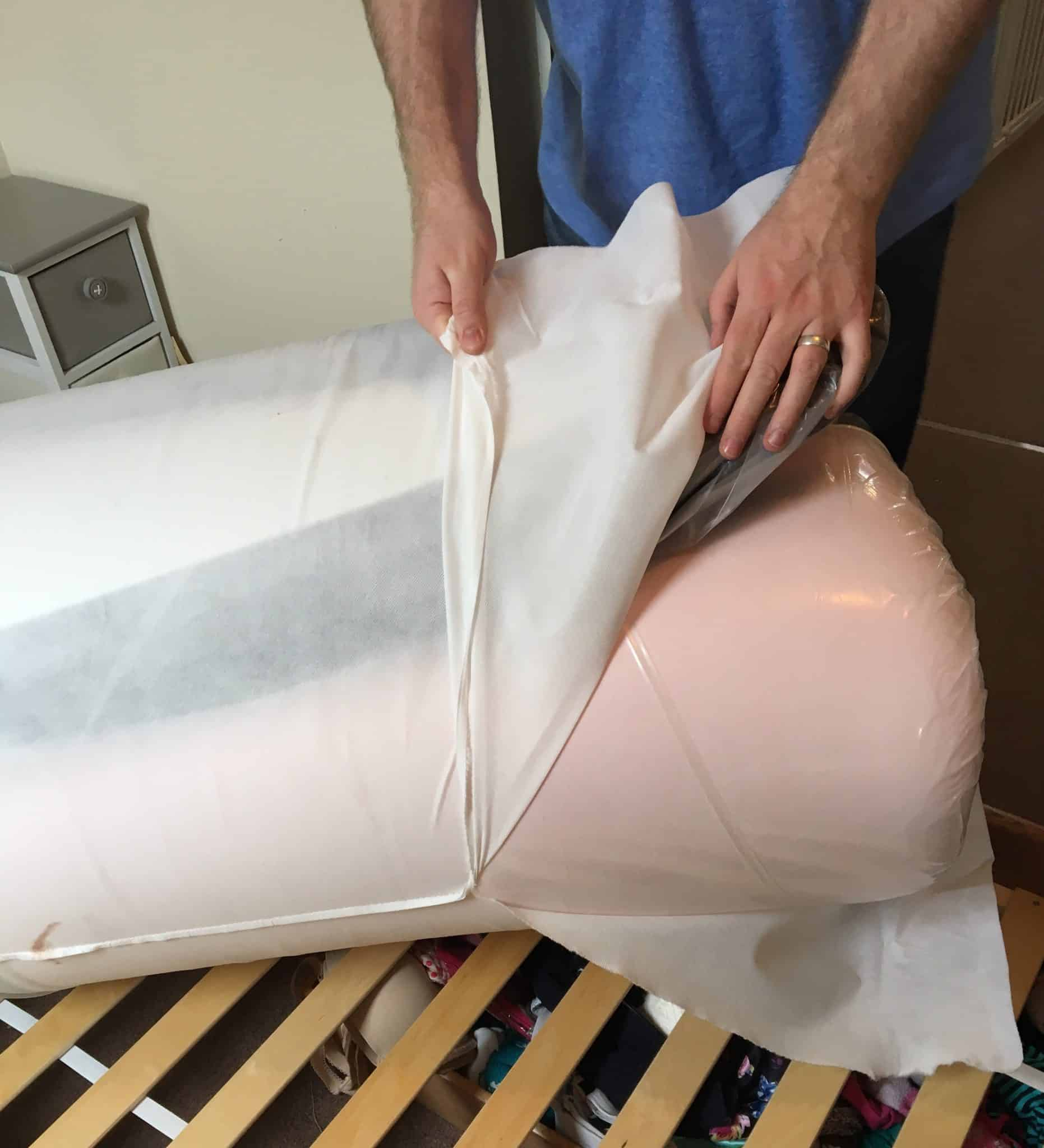 Taking off the fabric cover on the zen guru