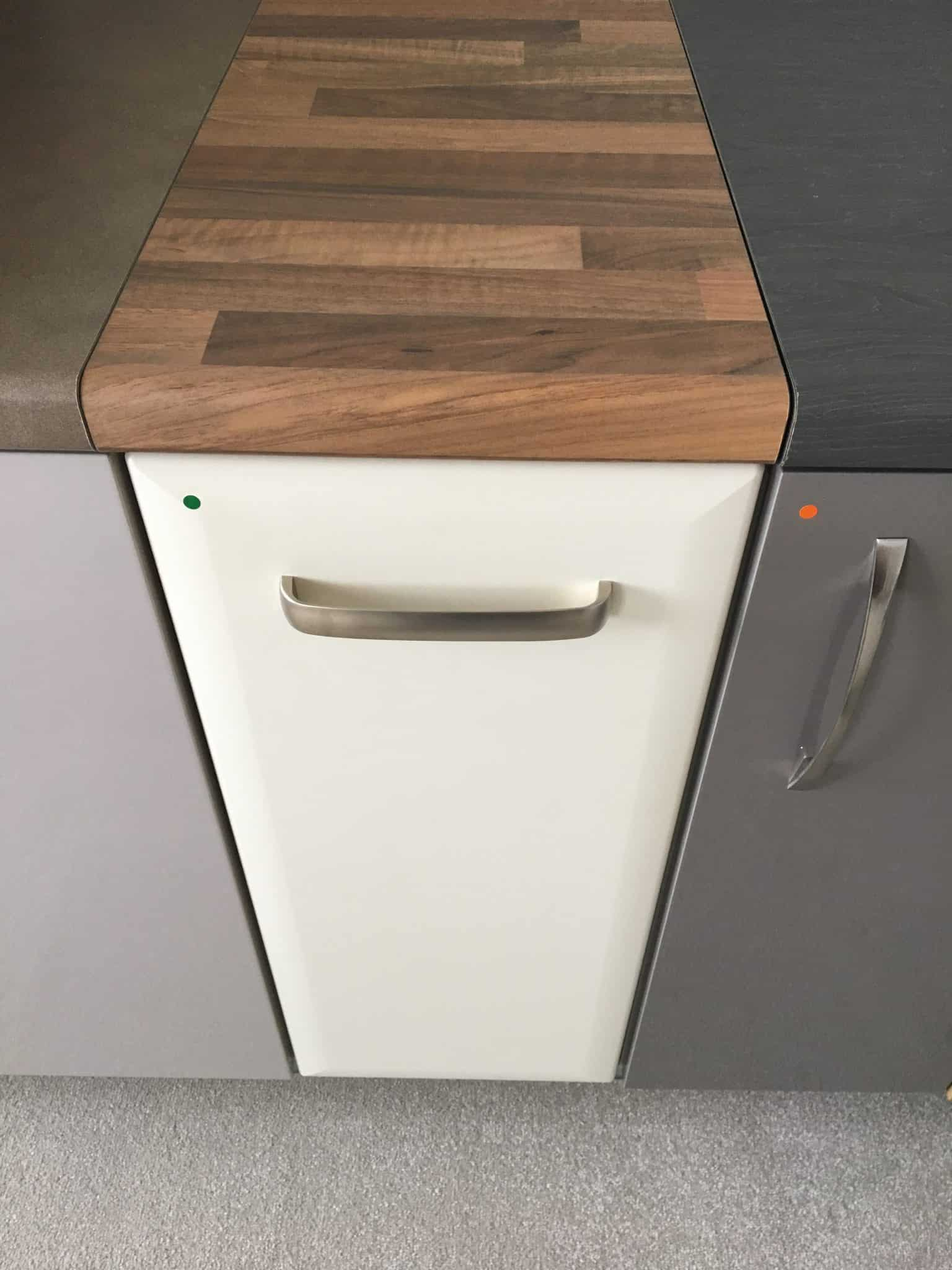 choosing kitchen cupboard worktops and doors