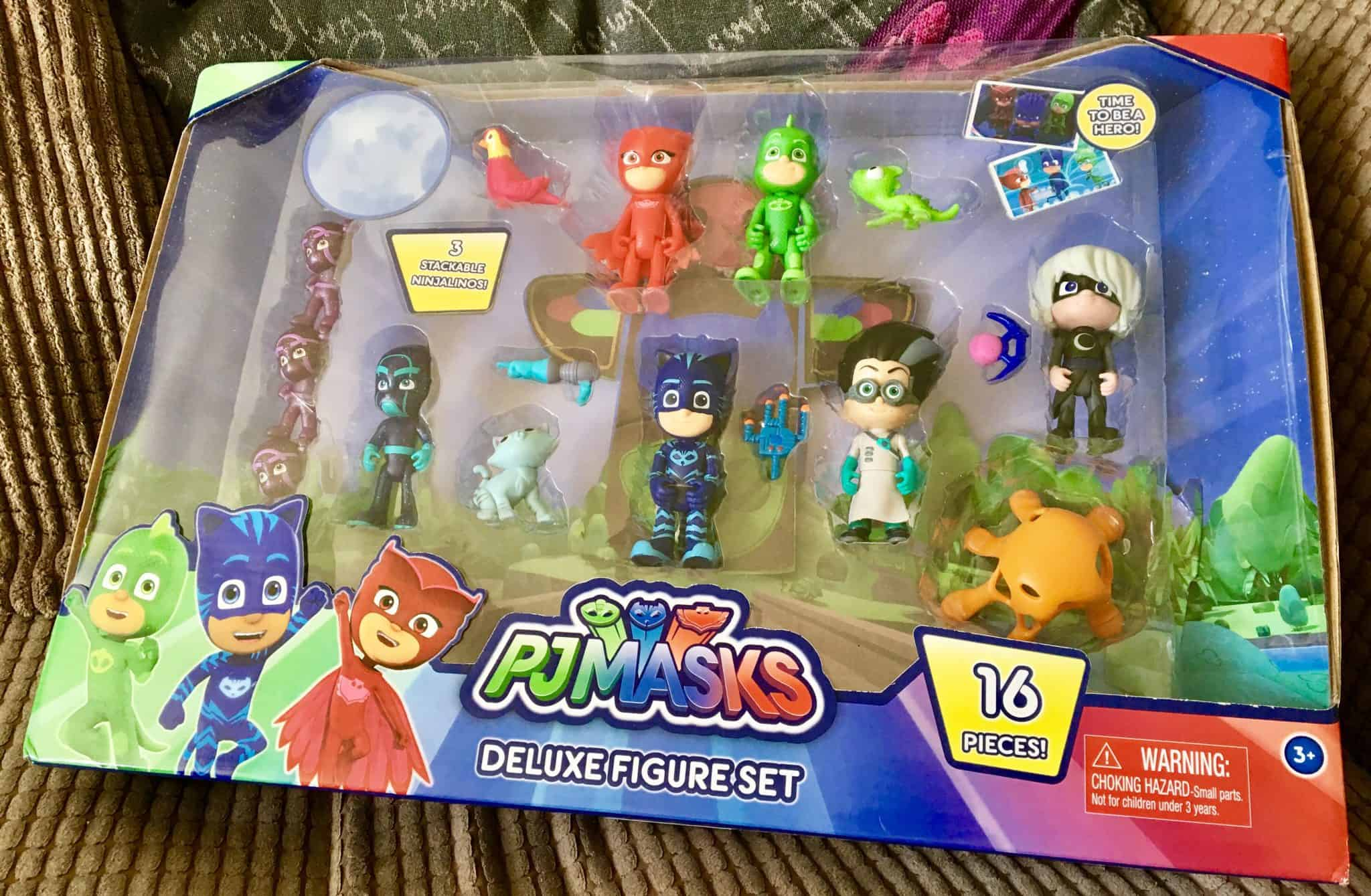 PJ Masks Deluxe 16 Figure Pack Playset Review