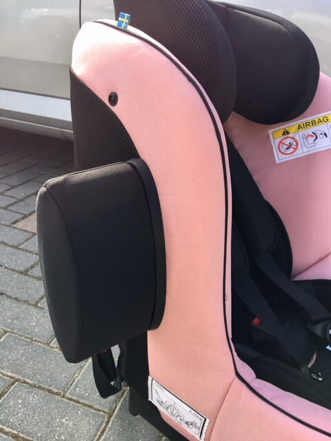 The Axkid Minikid 2.0 Rear Facing Car Seat Review