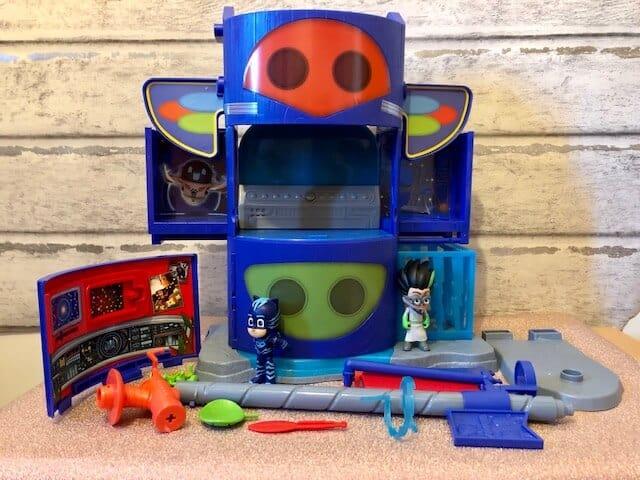PJ Masks Mission HQ Playset box contents