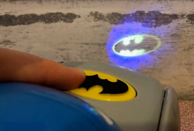 you can defend the day like Batman! press the illuminated logo on this freewheeling vehicle to project his super signal and show Gotham city who really owns the streets. The adventures are endless when you can be the bat! collect them all!