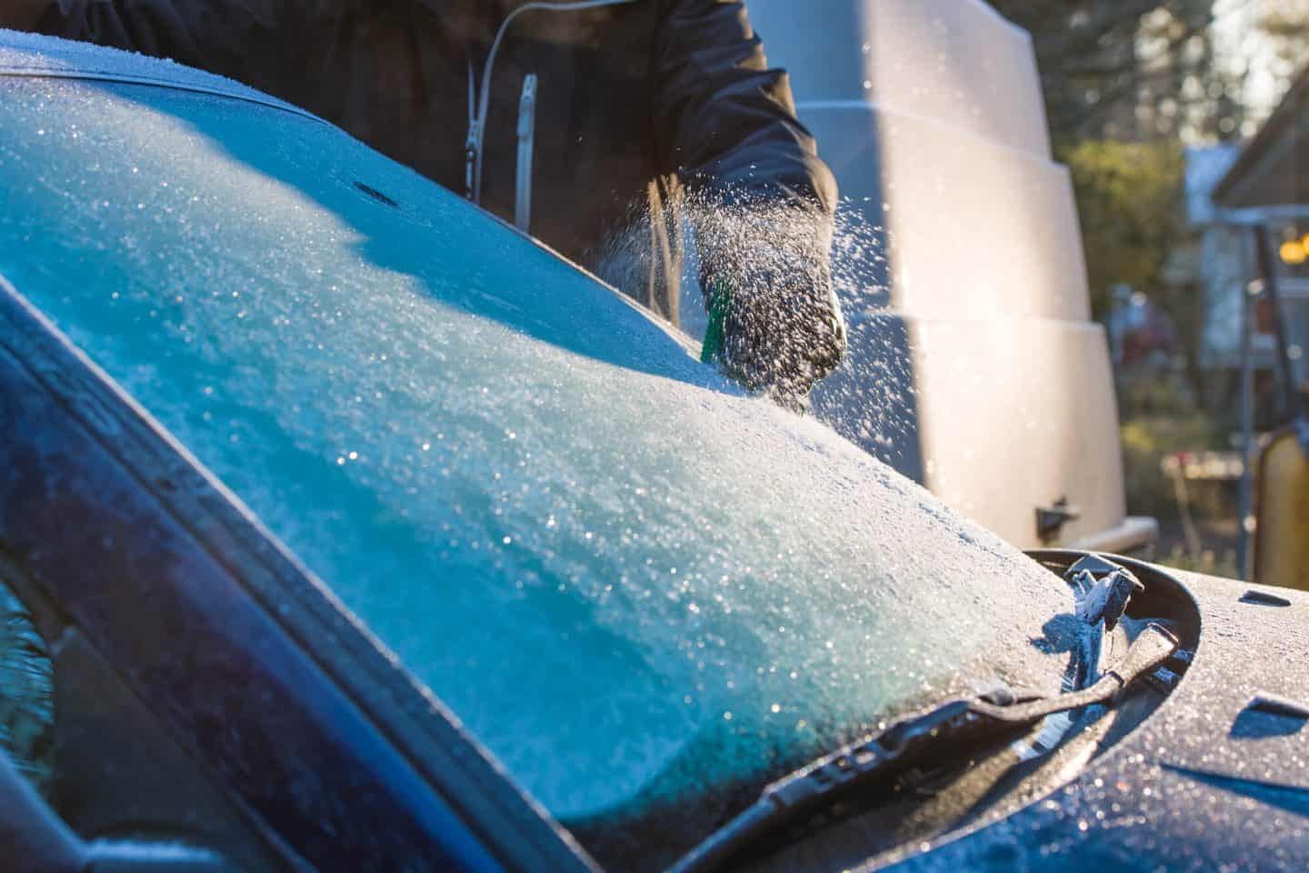 frosty winscreen - TOP TIPS TO MAINTAIN YOUR CAR IN 2019