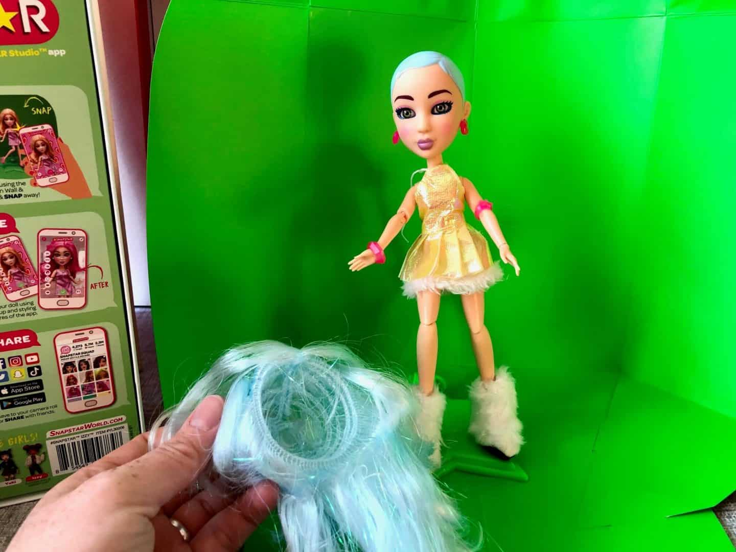 Removing hair from SNAPSTAR doll