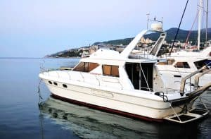 5 Upsides and Downsides of Living on a Boat