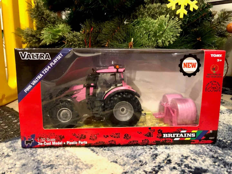 Pink Valtra Playset
