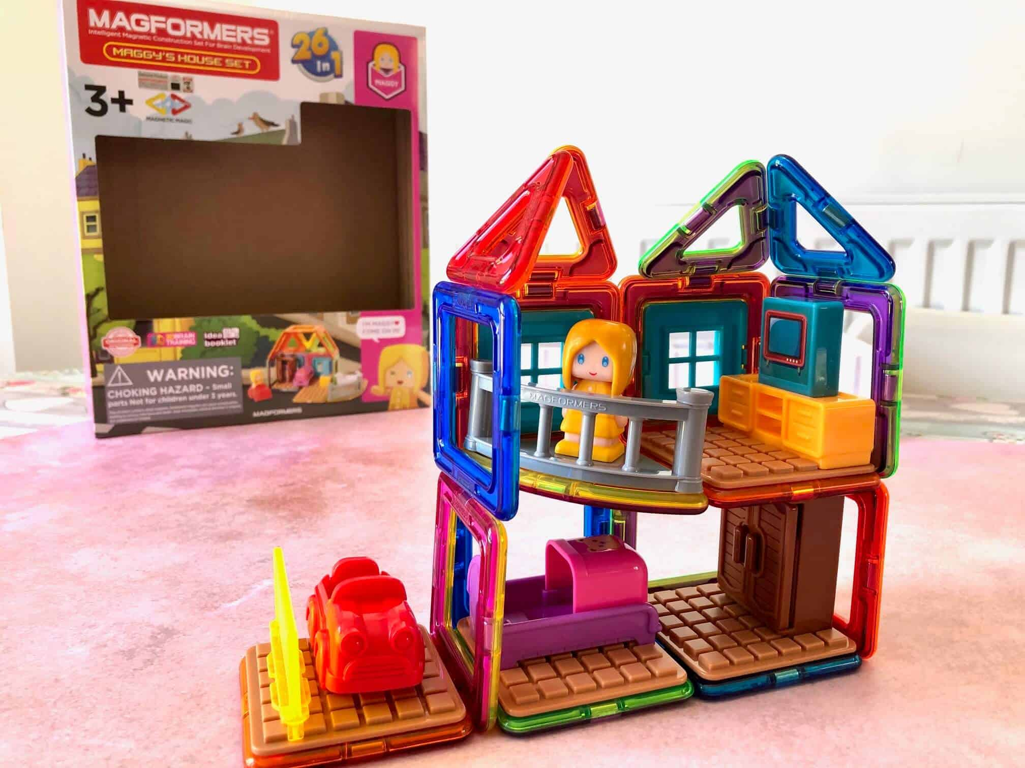 Building with Magformers Playsets