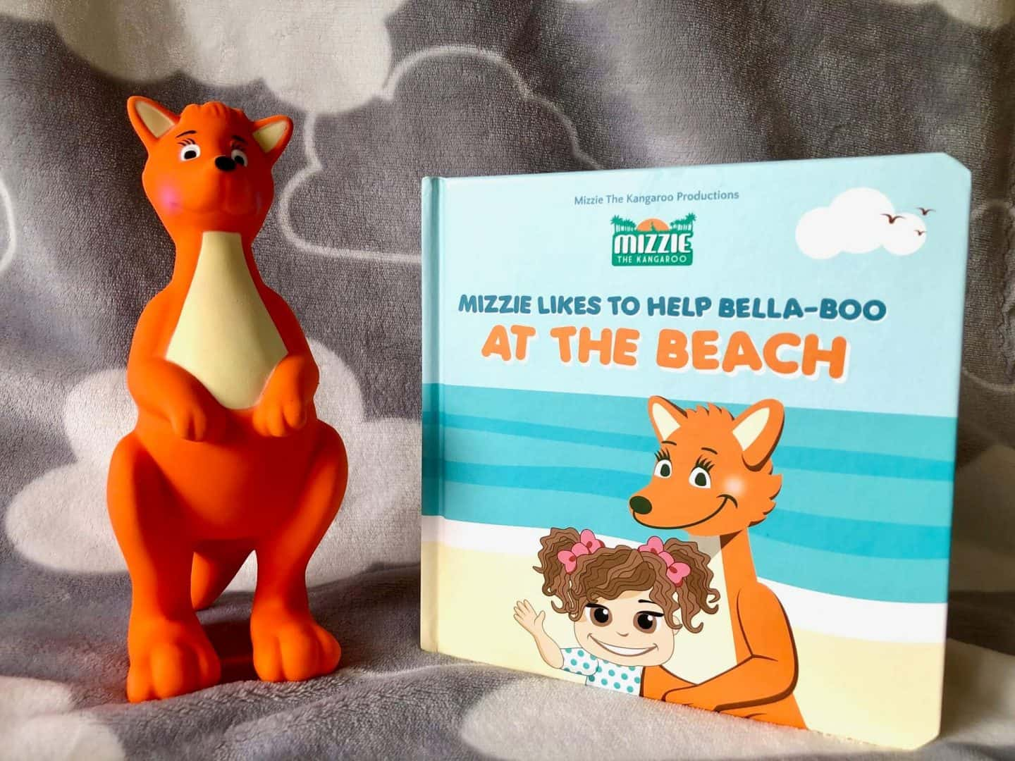 Mizzie Baby Board Book Gift Set with Mizzie Teething Toy