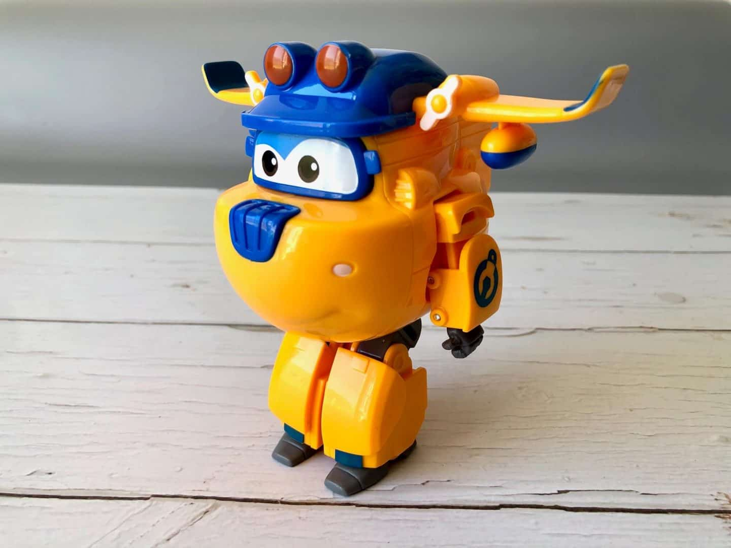 Transforming Build-It Donnie as a robot