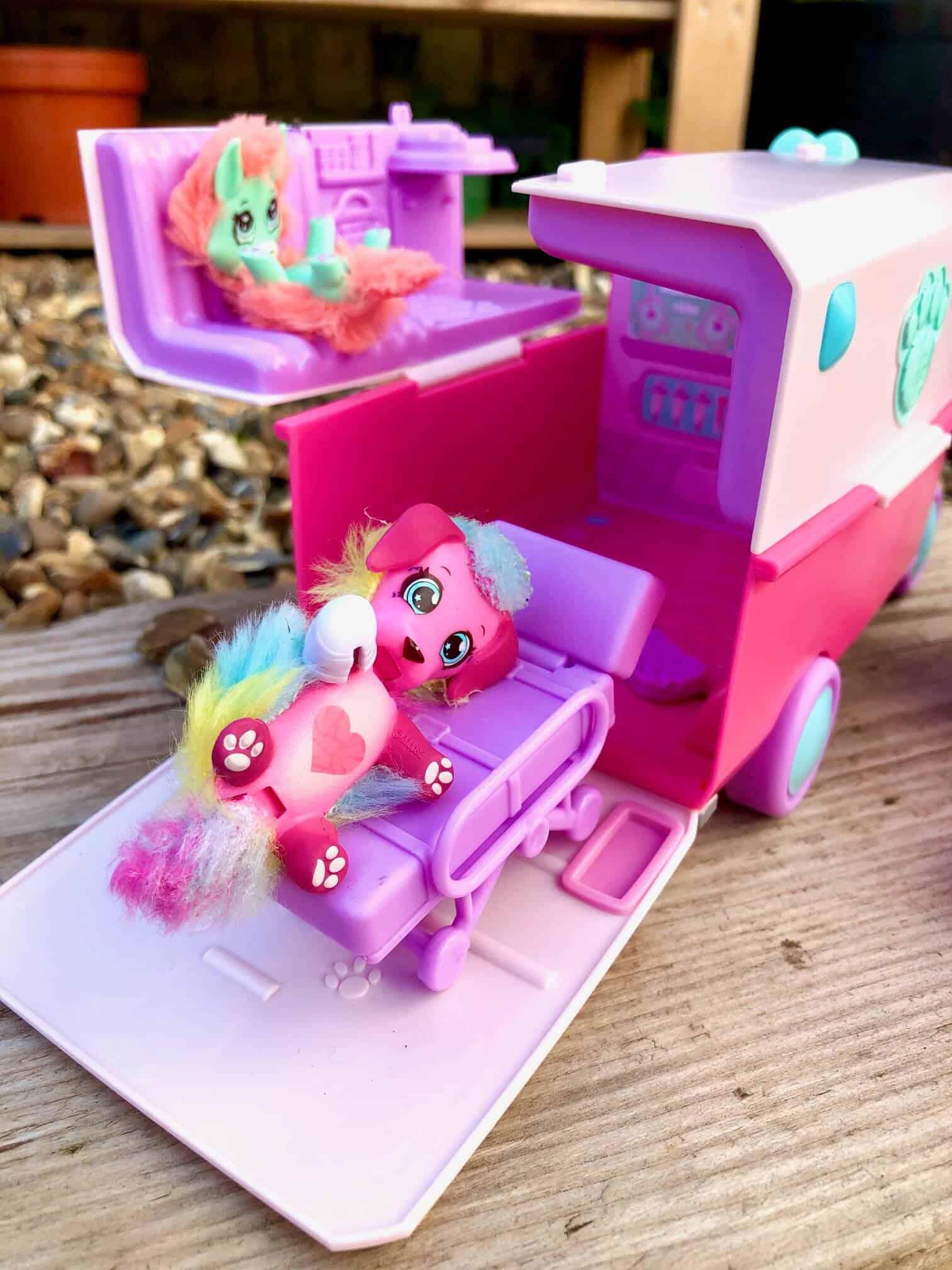 Scruff Surprise Vet Rescue Ambulance