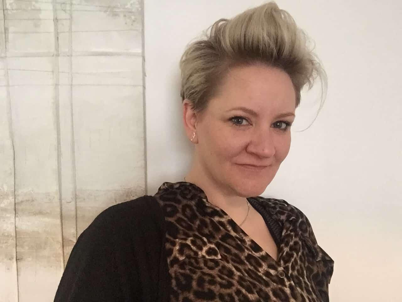 Anna Mansell author
