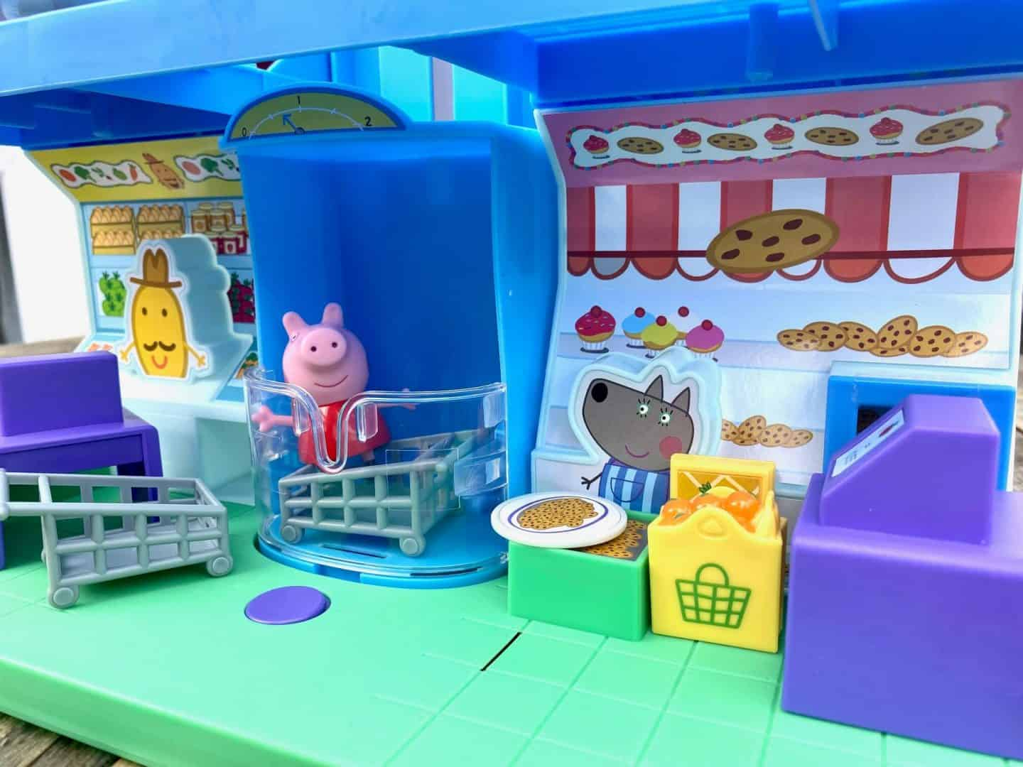 Accessories with the Peppa Shopping Centre