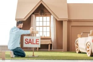 How Do Homebuilders Sell Their Homes?