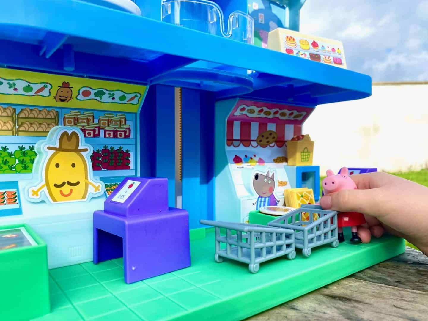 highly detailed Peppa's Shopping Centre playset