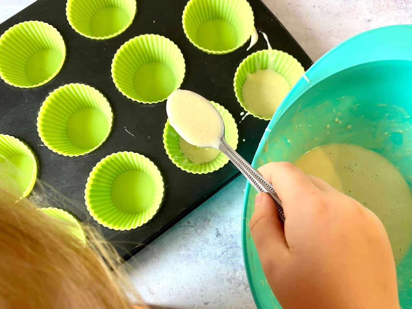 making cupcakes with the deluxe baking set