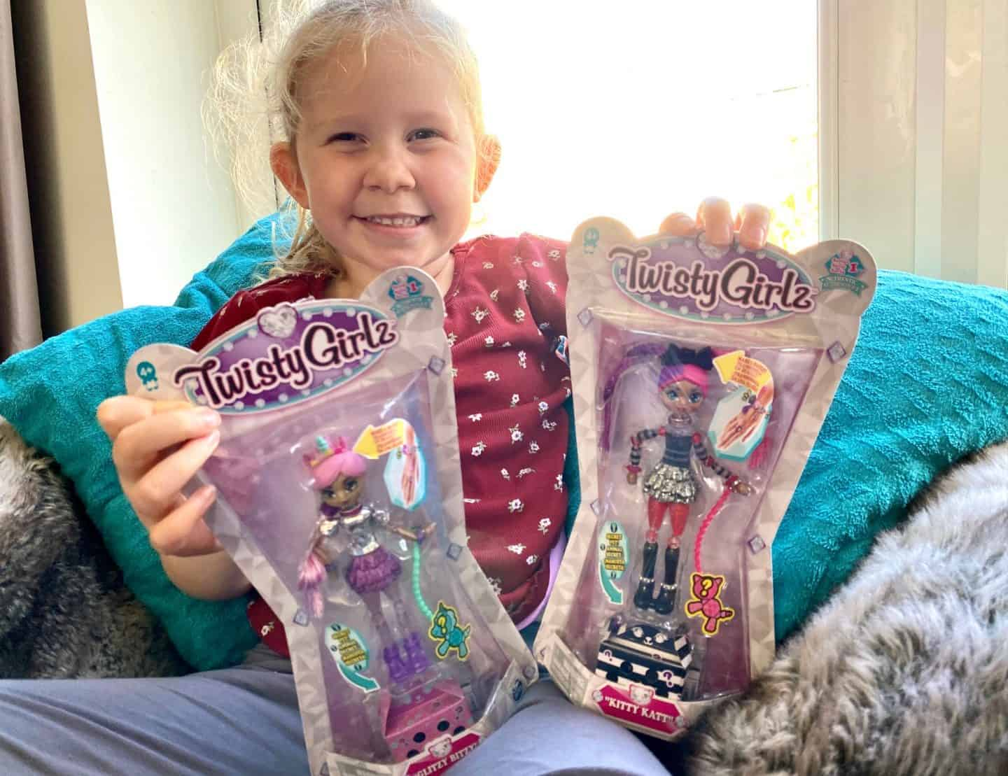 Twisty Girlz Transforming Doll to Collectible Bracelet - Review
