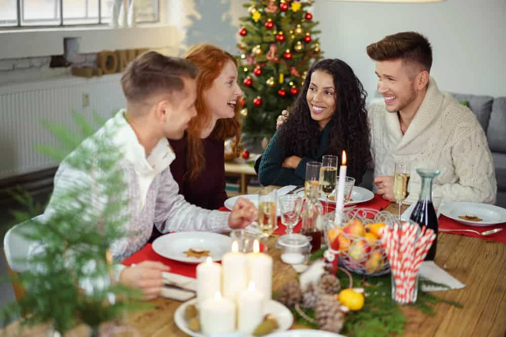 4 Great Ways to Entertain Guests This Christmas